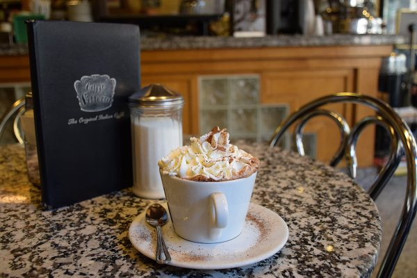 Caffe-Vittoria-2